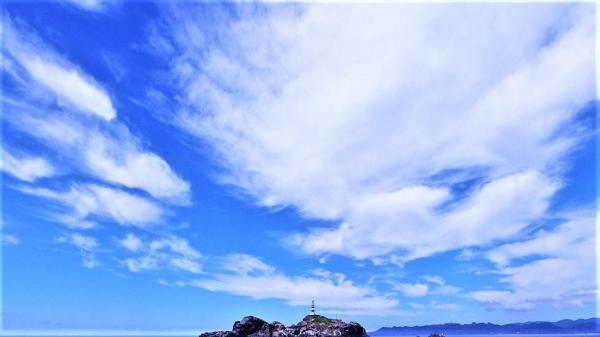 東洋のガラパゴス継続 クローズ明け初日は青白い水色